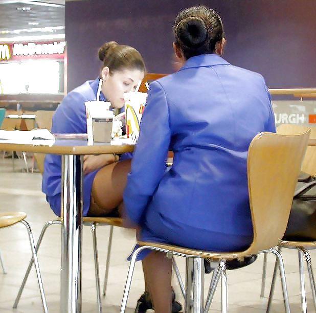 офисные работники под юбками - 7